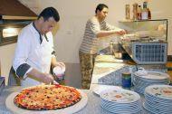 riesenpizza-700-3_center